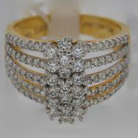 แหวนเพชรช่อดอกไม้แถว